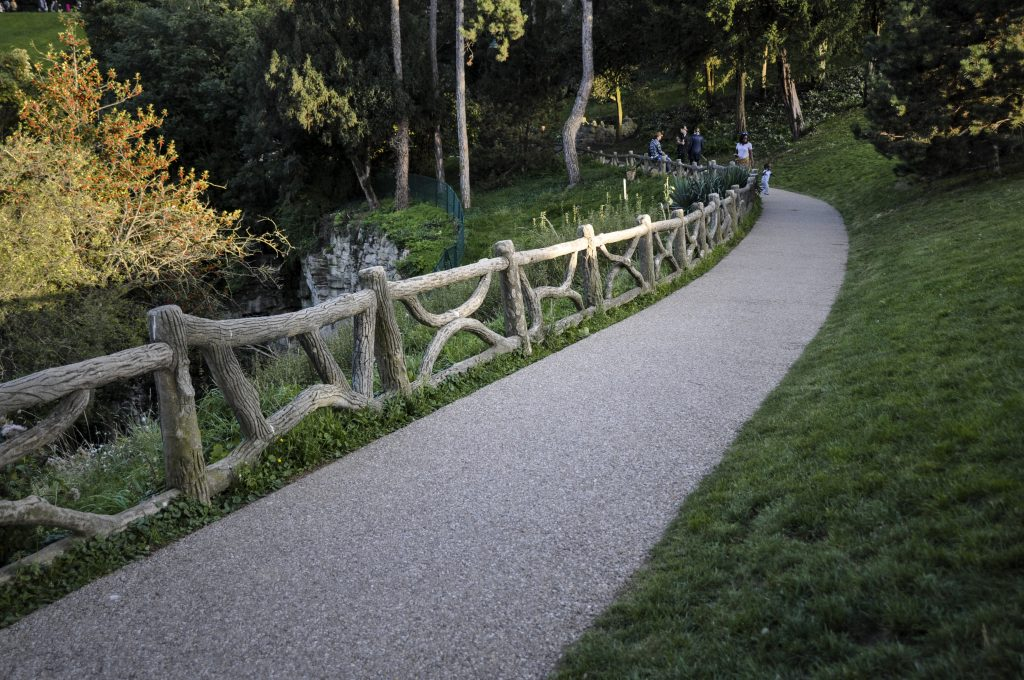 Courir au parc des Buttes Chaumont