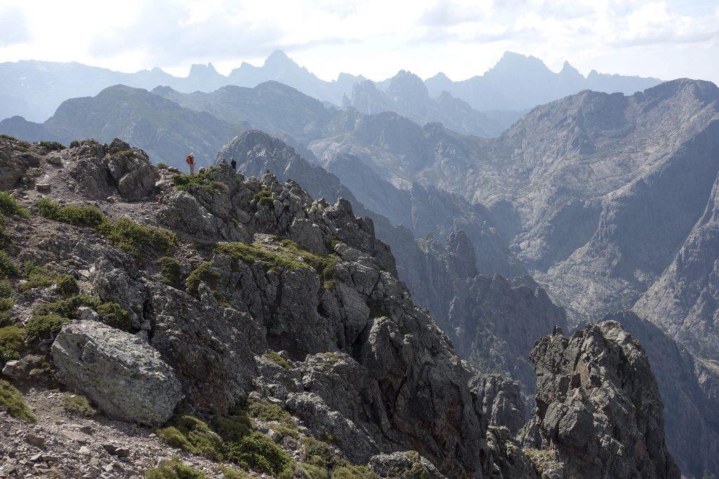 Vue sur la montagne dans le GR20 Nord