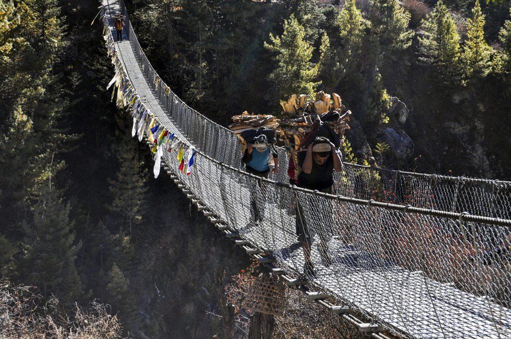Pont suspendu au Népal