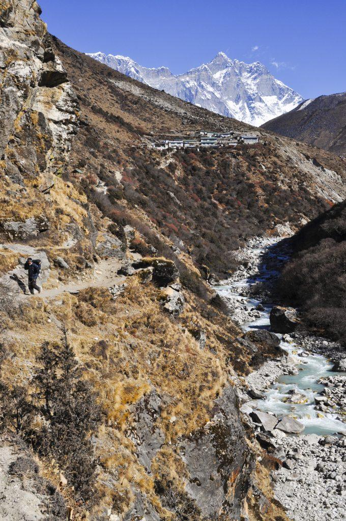 Sentier dans la vallée de l'Everest