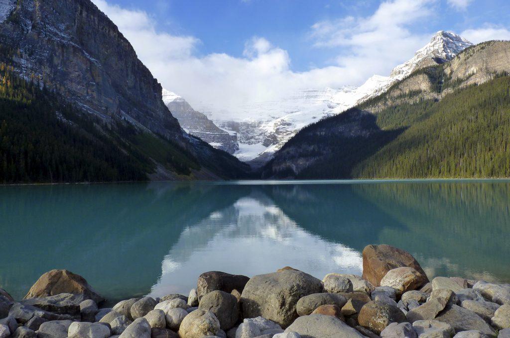 Le magnifique Lac Louise dans le parc de Banff